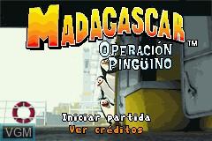 Title screen of the game Madagascar - Operacion Pinguino on Nintendo GameBoy Advance