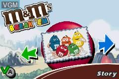 Menu screen of the game M&M's - Break' Em on Nintendo GameBoy Advance
