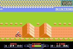 In-game screen of the game Classic NES Series - Excitebike on Nintendo GameBoy Advance