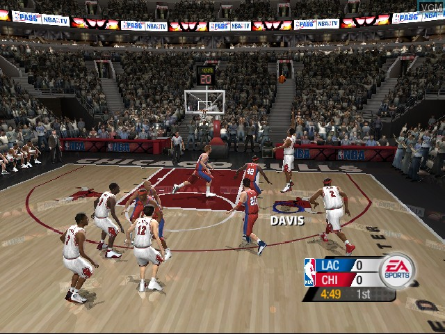 In-game screen of the game NBA Live 2005 on Nintendo GameCube
