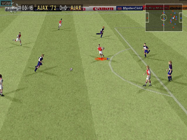 In-game screen of the game UEFA Champions League - Saison 1998-99 on Sony Playstation