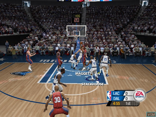 In-game screen of the game NBA Live 2005 on Microsoft Xbox