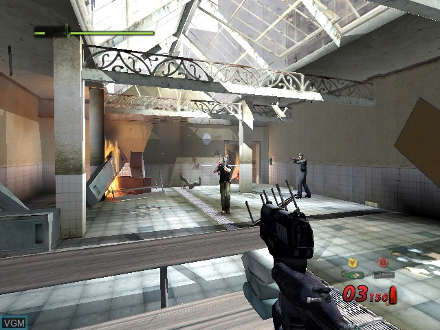 In-game screen of the game Urban Chaos - Riot Response on Microsoft Xbox