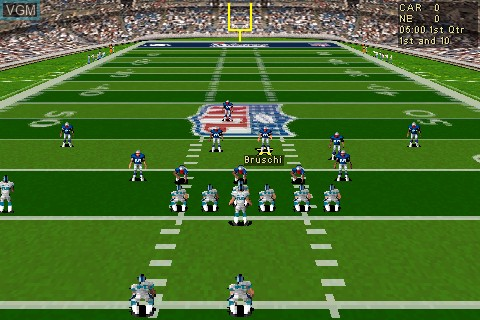 In-game screen of the game Madden NFL 2005 on Tapwave Zodiac
